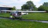 """Ultralekki samolot sportowy """"Cora"""" (OK-FUA 01) na lotnisku w Kłobucku. (Źródło: Copyright Paweł Kotasiński)."""